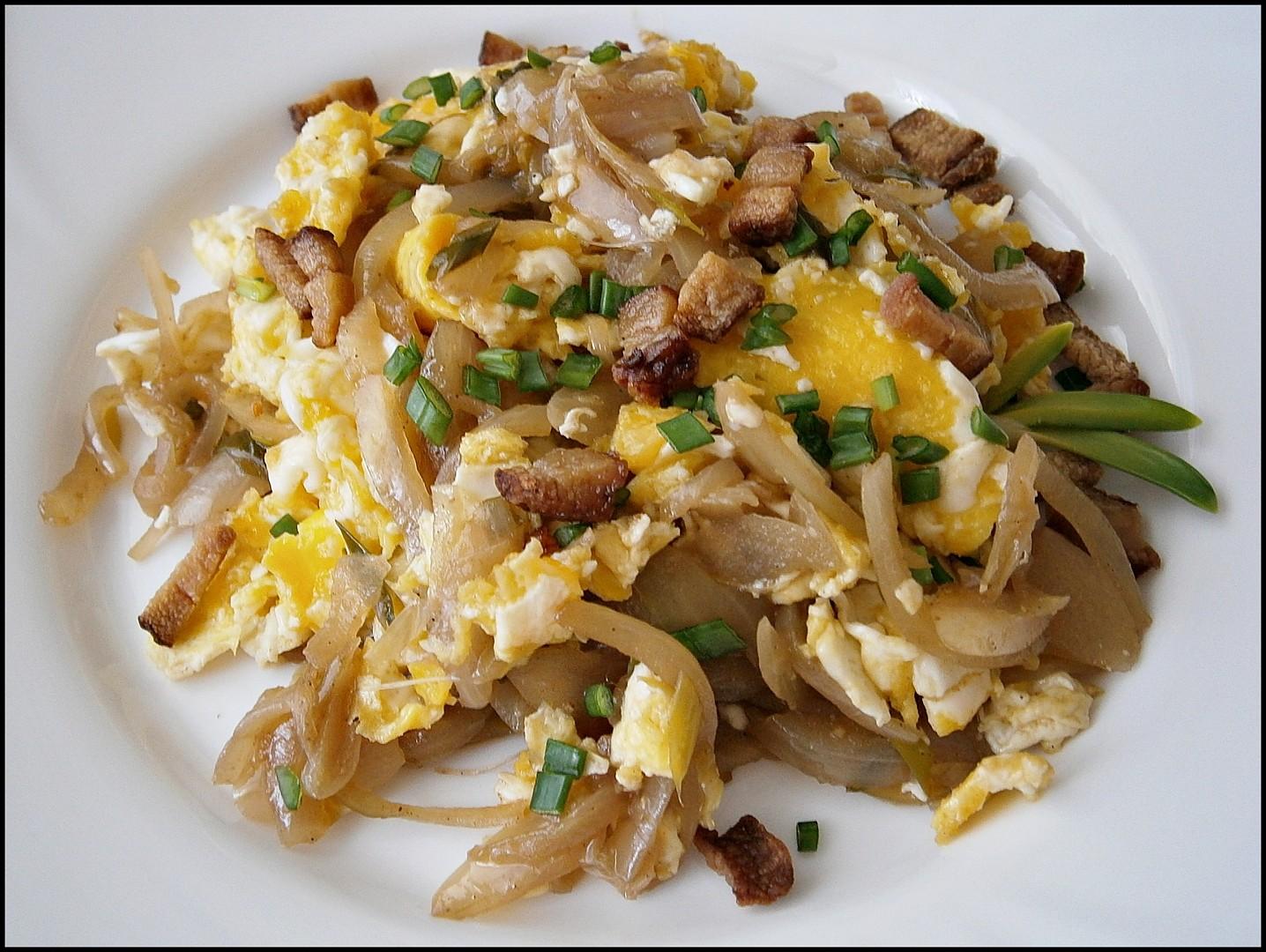 Cibule s míchanými vejci