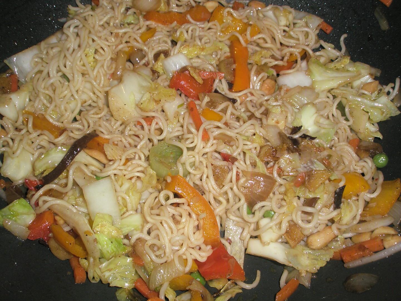 Čínske nudle so zeleninou / wok