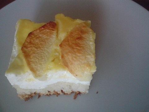 Kynutý tvarohový koláč s jablky