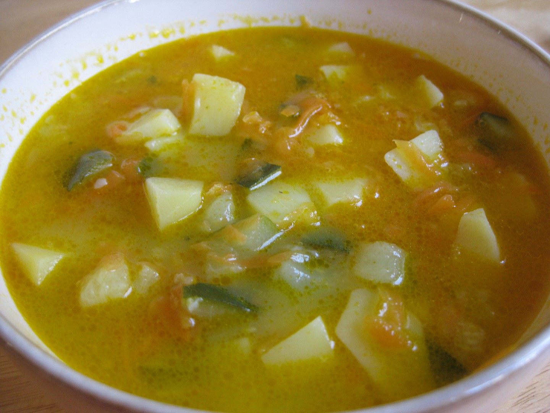 Mrkvovo-cuketová polévka s bramborami