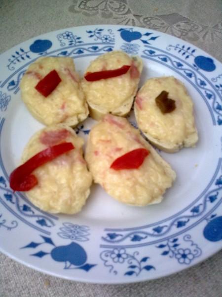 Pikantní sýrové chlebíčky