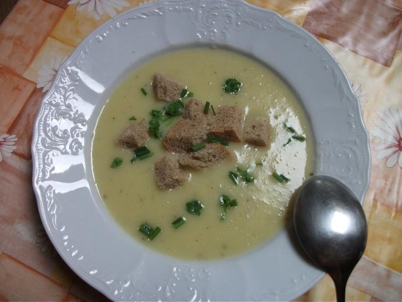 Polévka z cukety ala hrachovka