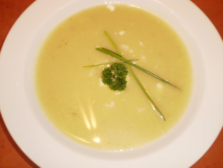 Pórková polévka se šalotkou