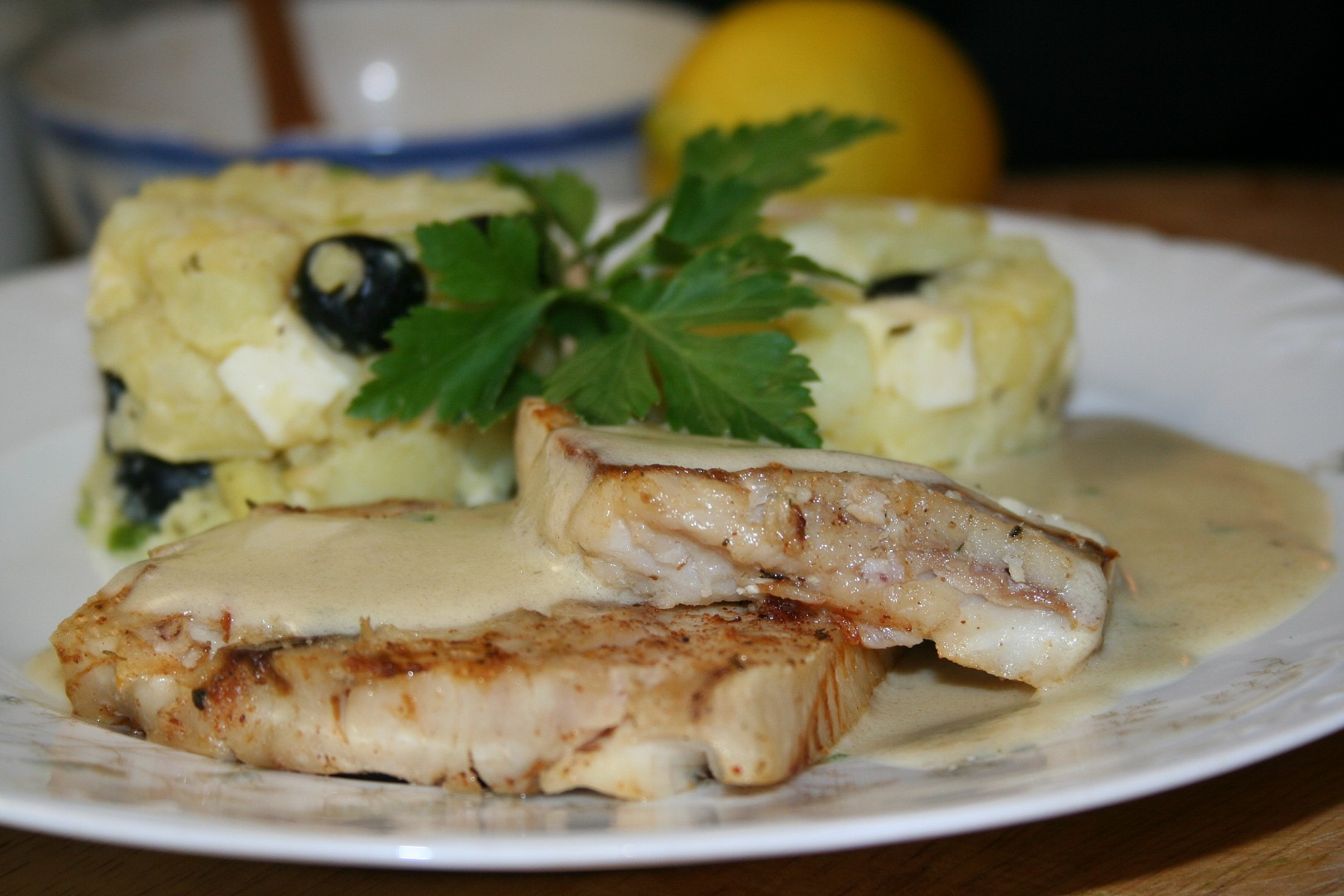Rybí filé s máslovou omáčkou