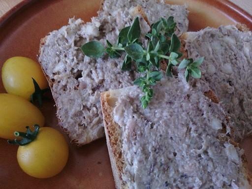 Sardinková pomazánka se sušeným oreganem