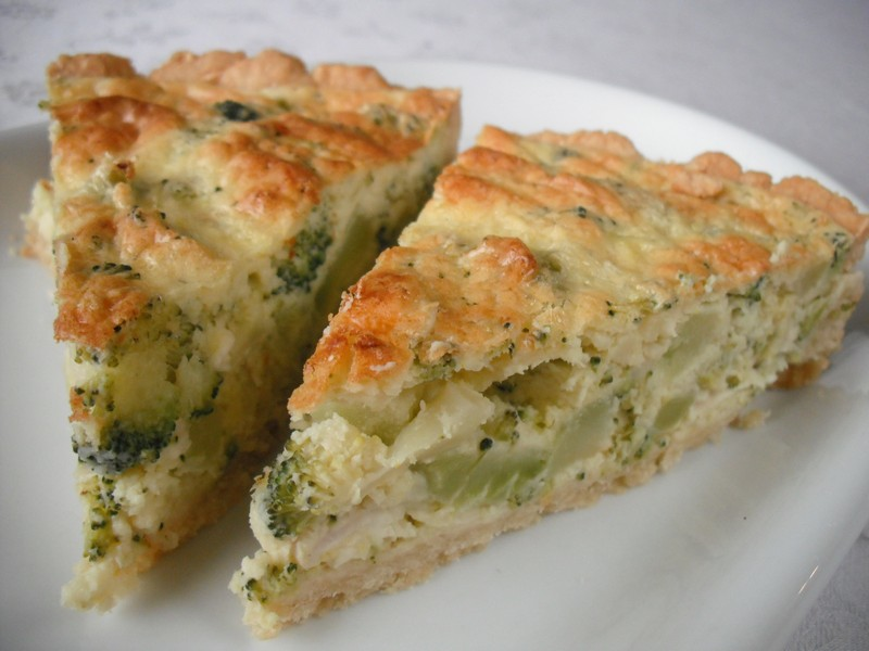 Sýrový koláč s brokolicí