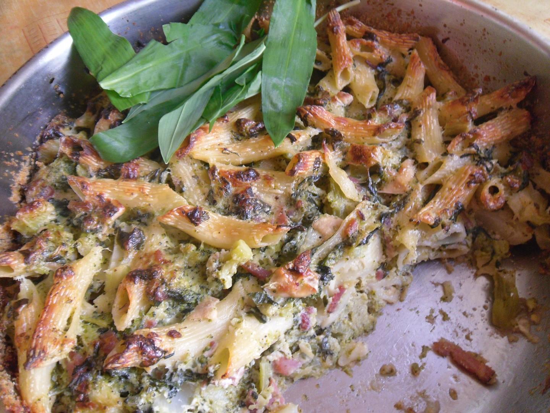 Úklid sýrů - penne s brokolicí a medvědem